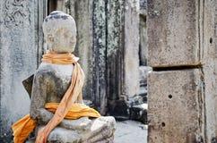 Estátua antiga de buddha no templo Siem Reap cambodia de Angkor Wat Fotos de Stock Royalty Free