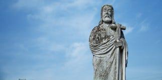 Estátua antiga de Jesus Christ Good Shepherd Tradi??o b?blica, religi?o, cristandade, deus, conceito da f? imagem de stock royalty free