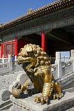 Estátua antiga de um Leon em Royal Palace no Pequim Foto de Stock Royalty Free