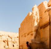 Estátua antiga no templo de Karnak fotos de stock