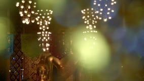 Estátua bonita da Buda no festival de Loy Krathong vídeos de arquivo
