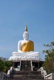 Estátua branca de buddha Imagem de Stock Royalty Free