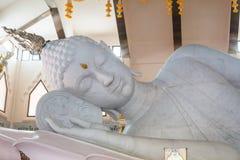 Estátua branca de buddha Foto de Stock