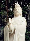 estátua budista do Bodhisattva de Guanyin, Bodhisattva de Avalokitesvara, deusa da mercê Foto de Stock Royalty Free