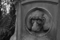 Estátua com cara assustador Imagens de Stock Royalty Free