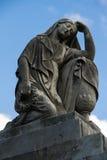 Estátua cristã da mulher no cemitério ou no Recoleta Foto de Stock