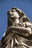 Estátua cristã da mulher no cemitério ou no Recoleta Fotos de Stock Royalty Free