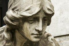Estátua cristã da mulher no cemitério ou no Recoleta Imagem de Stock