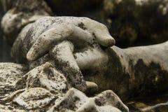 Estátua cristã da mulher no cemitério ou no Recoleta Fotografia de Stock Royalty Free