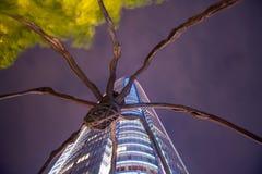 Estátua da aranha na construção da torre de Mori em Roppongi Hills Imagem de Stock Royalty Free
