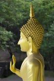 Estátua da bênção de oferecimento Aurangabad de Gautama Buddha, Maharashtra, Índia foto de stock