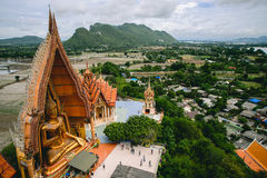 Estátua da Buda de Wat Tham Sua Fotografia de Stock Royalty Free