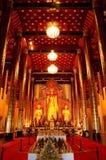 Estátua da Buda do ouro Imagens de Stock