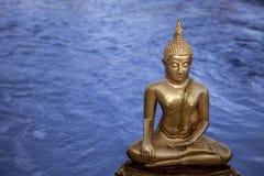 Estátua da Buda do ouro Fotografia de Stock