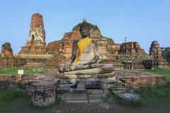 Estátua da Buda em Wat Maha That imagem de stock