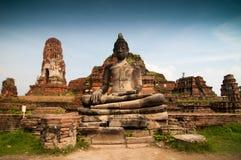 Estátua da Buda em Wat Mahatat Imagens de Stock