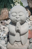 Estátua da Buda no jardim japonês Foto de Stock