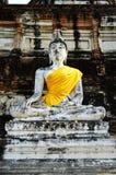 Estátua da Buda no mongkol de yai chai do wat Imagens de Stock Royalty Free