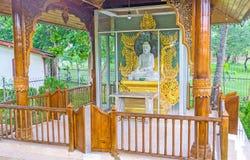 A estátua da Buda no templo de Myanmar Foto de Stock