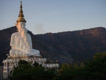 Estátua da Buda no templo do phasornkaew Imagens de Stock