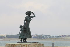 A estátua da esperança no porto de le Grau-du-Roi, França Fotografia de Stock