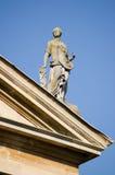 Estátua da lei, faculdade da rainha, Oxford Fotografia de Stock Royalty Free