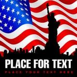 Estátua da liberdade no fundo da bandeira americana Imagem de Stock