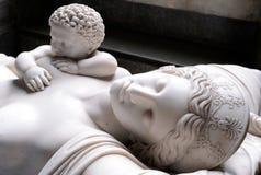 Estátua da mulher da amamentação Foto de Stock