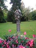 Estátua da mulher de Áustria em um parque em Graz fotografia de stock