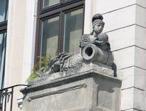 Estátua da mulher, detalhe arquitetónico de Lviv velho, Ucrânia ocidental Imagens de Stock