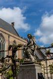 Estátua da senhora e do bebê jesus christ em Bruges, Bélgica, EUR imagens de stock