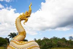 Estátua da serpente ou do Naga imagens de stock royalty free