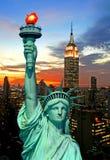 A estátua da skyline da liberdade e do New York City Fotografia de Stock Royalty Free