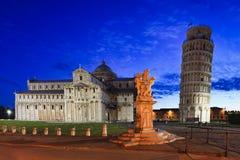Estátua da torre do domo de Pisa Fotos de Stock