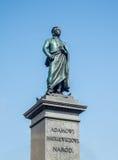 Estátua de Adam Mickiewicz em Cracow, Polônia Fotografia de Stock Royalty Free
