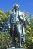 Estátua de Alexander Hamilton que negligencia Great Falls em Paterson, New-jersey Fotografia de Stock