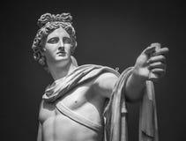Estátua de Apollo Belvedere Museu do Vaticano do detalhe imagens de stock