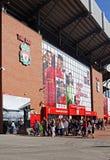 Estátua de Bill Shankly no estádio do clube do futebol de Liverpool Foto de Stock