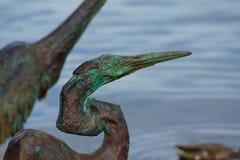 Estátua de bronze da garça-real Imagens de Stock Royalty Free