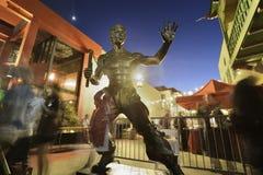 Estátua de Bruce Lee imagens de stock