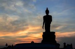Estátua de buddha da silhueta imagens de stock royalty free