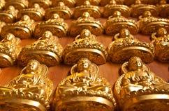 Estátua de Buddha em Wat Lengnoeiyi2 em Tailândia Fotos de Stock