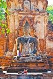 Estátua de Buddha na luz bonita em Mahathat Fotografia de Stock