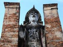 A estátua de buddha no parque histórico de Tailândia Foto de Stock Royalty Free