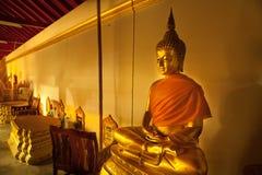 Estátua de Buddha no templo Imagens de Stock Royalty Free
