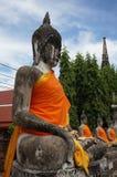 Estátua de Buddha no templo tailandês Imagens de Stock