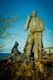 Estátua de Charles Darwin na ilha de San Cristobal imagens de stock royalty free