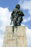 A estátua de Che Guevara e o mausoléu na revolução esquadram fotos de stock
