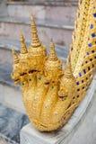 Estátua de cinco Naga das cabeças no palácio grande Imagem de Stock Royalty Free