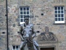 Estátua de Douglas Haig no castelo de Edimburgo fotografia de stock